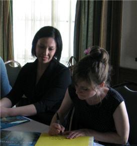 Michelle Pretorius,Kate Hoefler